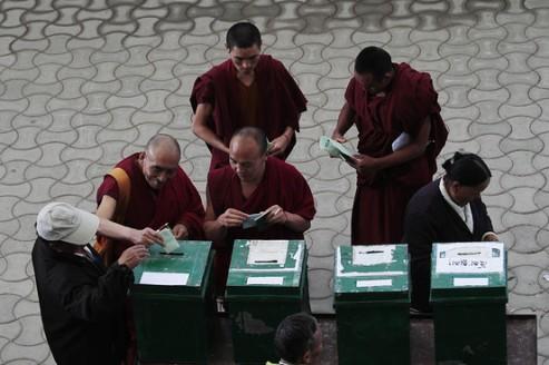 crt_tibetanvote_G_20110328100812